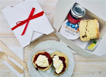 Picture of Individual English Cream Tea Treats Hamper for 20