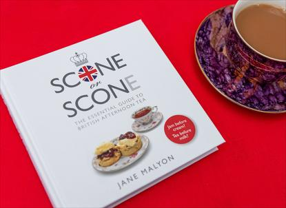 Picture of GIFT BOOK: Scone or Scon(e) - The Essential Guide to British Afternoon Tea